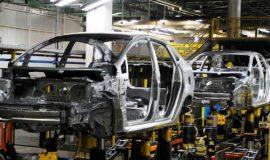 Industria automotriz descarta aumentar sueldos en México pese a T-MEC